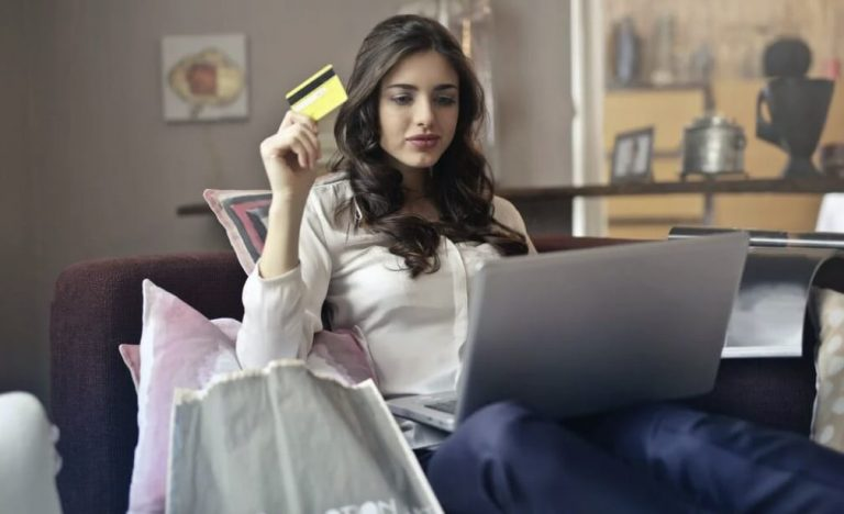 A lady shopping online