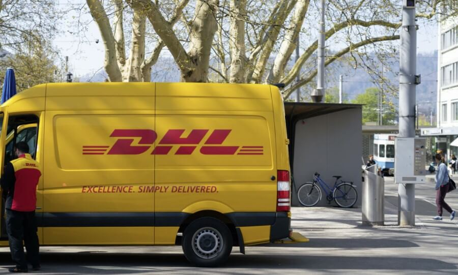 DHL delivery fan
